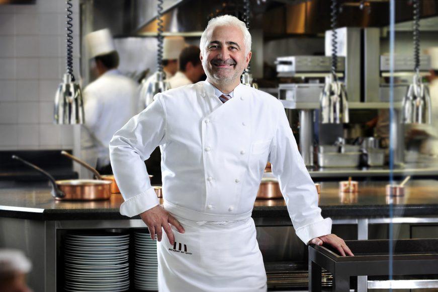 Guy Savoy Guy in Kitchen_LRG