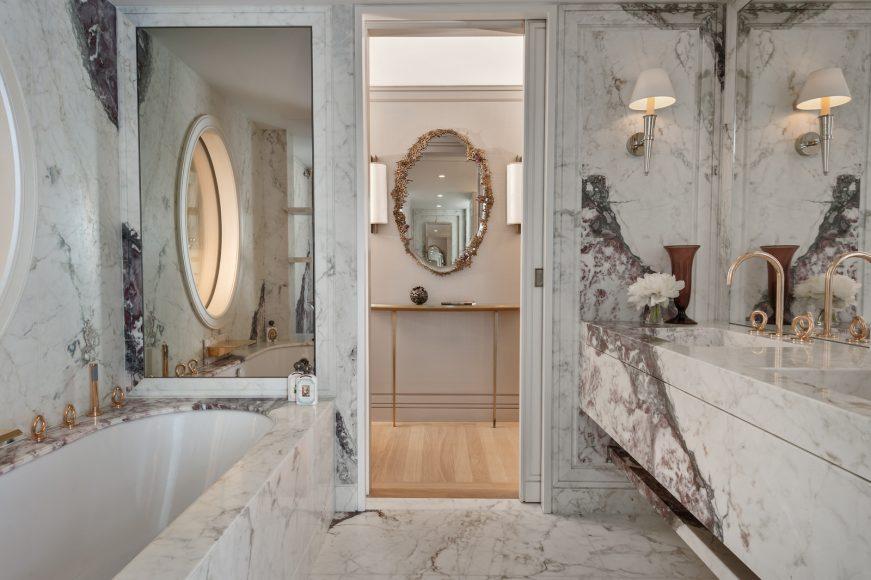 Hôtel de Crillon, A Rosewood Hotel - _Suite-Marie-Antoinette-228-bathroom