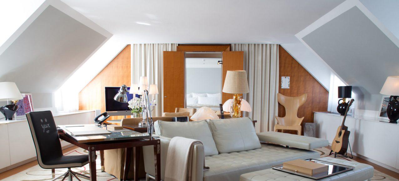 Le-Royal-Monceau-Raffles-Paris-Penthouse-Suite-living-room